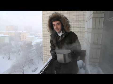 「西伯利亞有多冷?」- Boiling water freezes instantly in Siberia