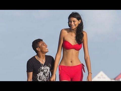 「巴西超高少女模特兒找到了真愛」- Tall Model Finds Love In Brazil