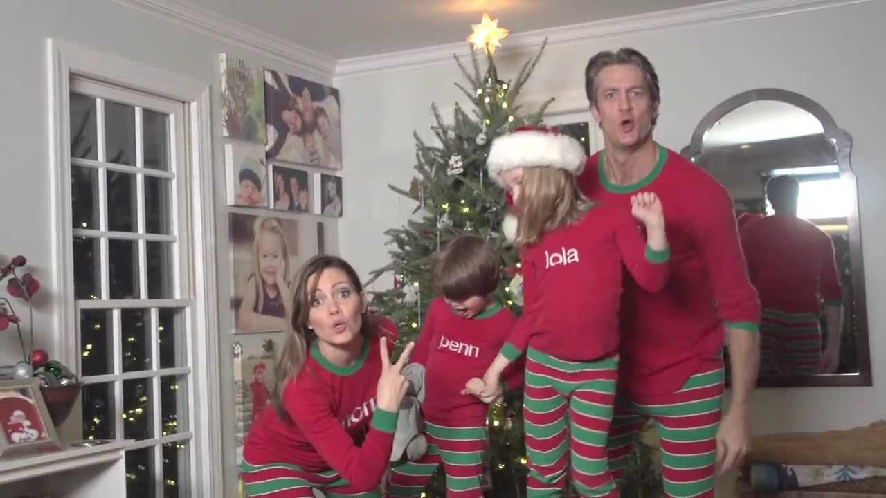睡衣主播一家子祝大家聖誕快樂