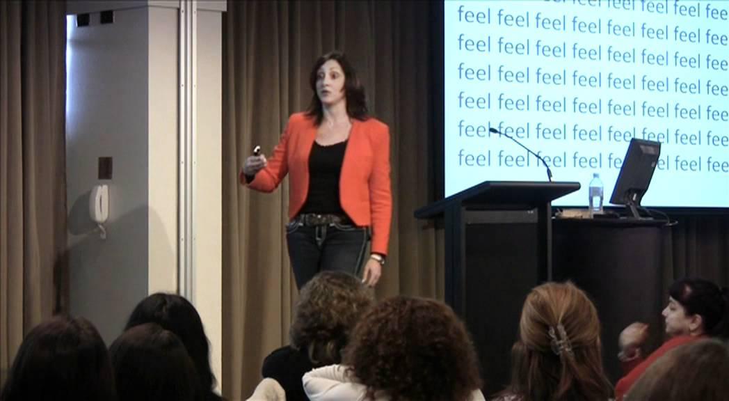 傾聽英文怎麼說?職場溝通智慧:傾聽的力量
