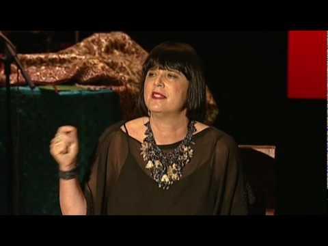 「Eve Ensler:擁抱你內心的小女孩」- Embrace Your Inner Girl