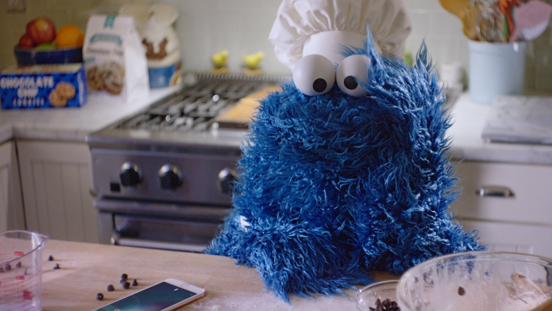 iPhone 6s 廣告:餅乾怪獸出一張嘴篇