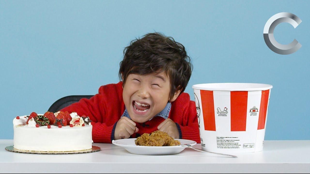 「小朋友吃各國聖誕美食,可愛反應讓人想抱緊處理~」- American Kids Try Christmas Foods from around the World