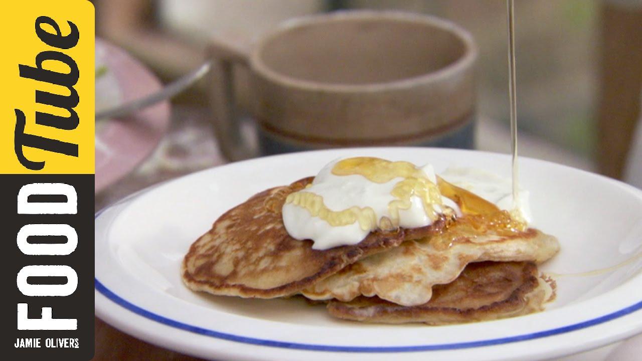 「週末輕鬆上菜!奧利佛的『一個杯子』煎餅食譜」- How to Make One Cup Pancakes | Jamie Oliver