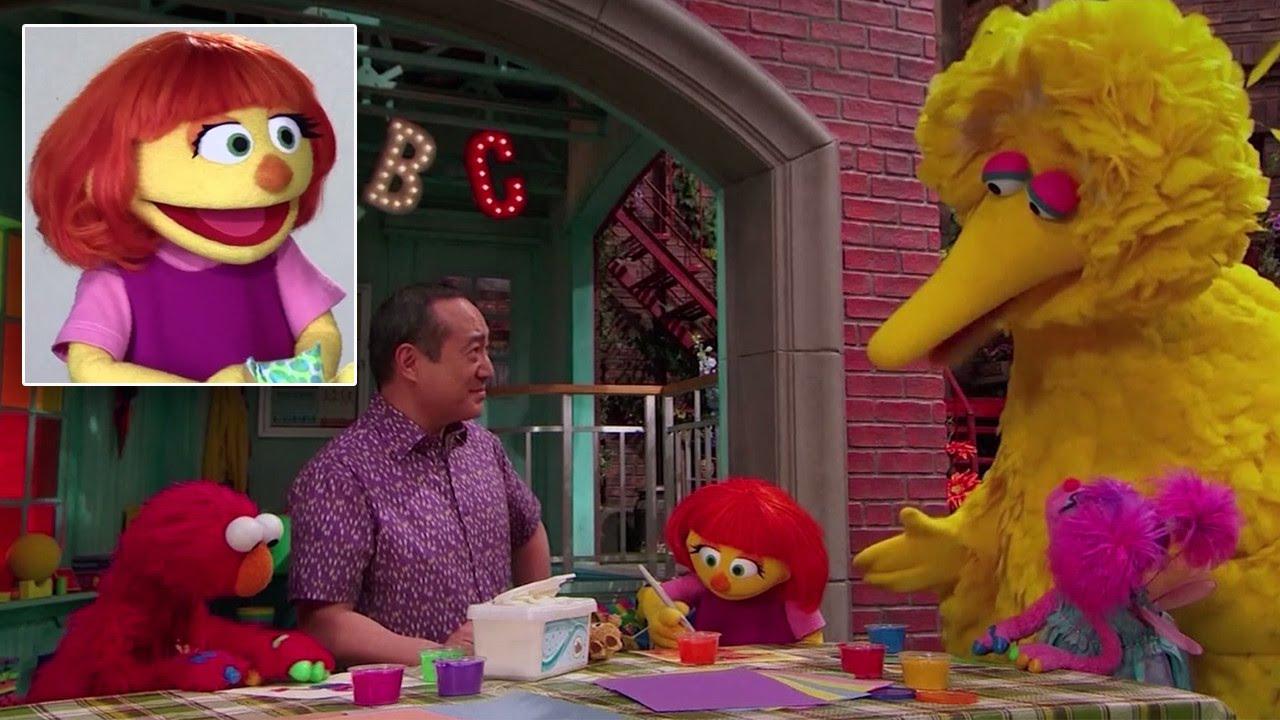 十年來首度推出新布偶!自閉症小女孩 Julia 加入芝麻街家族