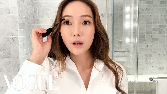 「【大明星教學】潔西卡的美妝 16 步驟」- 16 Steps to Looking Like a K-Pop Star with Jessica Jung