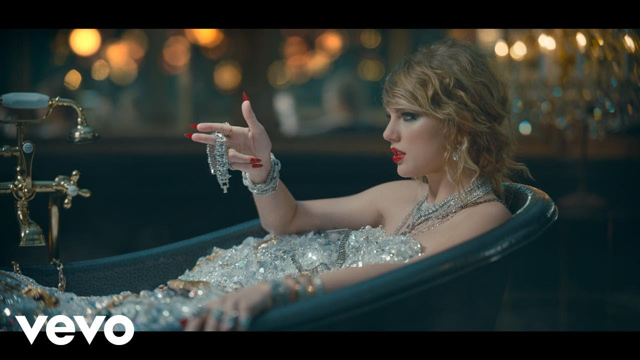 「不再當乖乖牌?!泰勒絲新曲〈Look What You Made Me Do〉化身蛇蠍女」- Taylor Swift: Look What You Made Me Do
