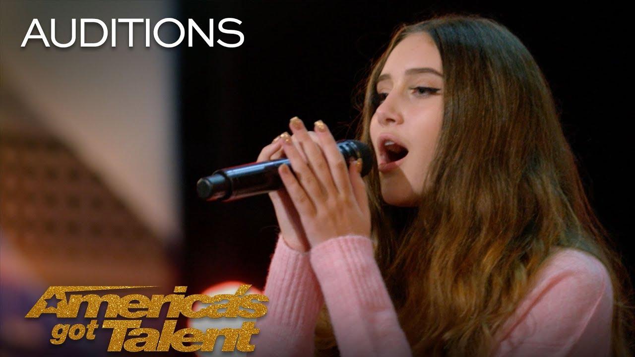 《美國達人秀》:15 歲女孩一開口,評審都驚呆了!